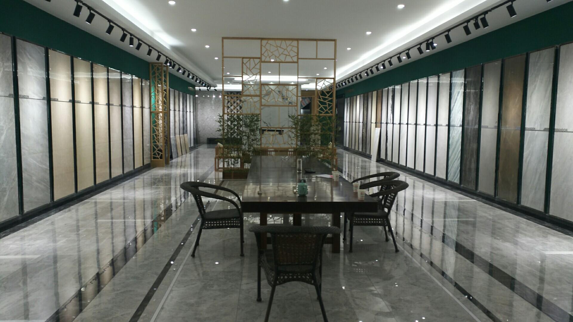 杭州富阳布兰顿国际旗舰店